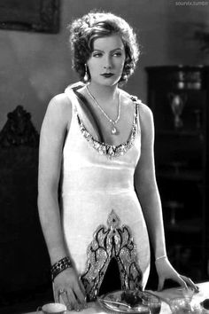 Greta Garbo, 1927 20's - http://www.fashion.net/