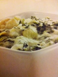 Easy crockpot recipes: Spinach and Artichoke Dip Crockpot Recipe