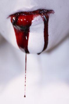 The taste of blood. Vampires, Vampire Diaries, Imagenes Dark, Gore Aesthetic, Dark Photography, True Blood, Macabre, Horror, Inspiration