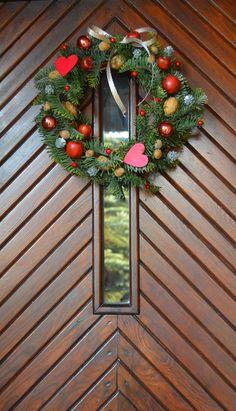 Świąteczny wieniec na drzwi - WITAJ GOŚCIU!