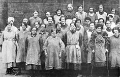 """Workhouse Uniform ----- At Bristol, in the for example, prostitutes wore a yellow dress, and unmarried pregnant women a red one. Nice way to mark out the """"fallen women""""(! Victorian Life, Victorian London, Victorian Photos, Victorian Fashion, Victorian History, 1890s Fashion, Victorian Steampunk, London History, British History"""
