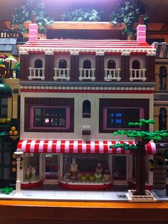 The cake display window is done very well!