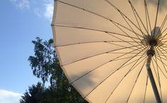 Vaticano Rund 250 cm Klassischer Sonnenschirm mit modernen Look - Neigbar mit Kurbel Bespannung aus 210 gr/m O'Bravia, Scotchguard Beschichtet, Lichtechtheit 7-8/8 Mastdurchmesser 38,5 mm  Mehr Info's auf www.solero-sonnenschirme.at