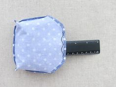 Sew cute mini purse with clasp. Coin Purse Pattern, Coin Purse Tutorial, Tote Pattern, Zipper Pouch Tutorial, Tote Tutorial, Diy Bags Purses, Diy Purse, Bag Patterns To Sew, Sewing Patterns