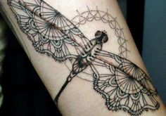 Dragonflies translate really well into lacework.