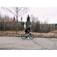 Where did the spring go? // #landevei #vulpine #HOYvulpine #thewonderfulsocks #sockgame #sockdoping #fromwhereiride #outsideiscold #oslo #norway #vsco by stiantveitofficial