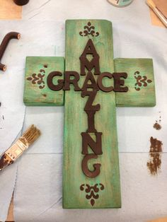 best 25 wooden cross crafts ideas on burlap Diy Projects To Try, Wood Projects, Craft Projects, Craft Ideas, Crafts To Sell, Diy And Crafts, Arts And Crafts, Creative Crafts, Wooden Cross Crafts