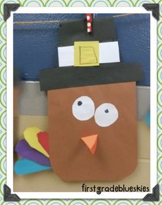 First Grade Blue Skies: Plump and Perky Turkey Glyph & Art {quite possibly the cutest turkey ever!!!}