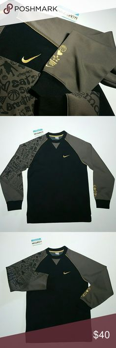 f570f8f1ace Nike Crewneck Sweater size Small Excellent (Like New) Condition Vintage Nike  Crewneck Sweater (