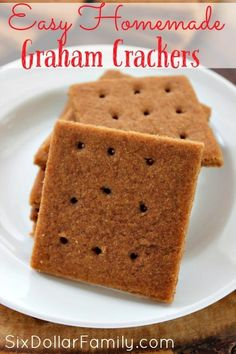How to Make Homemade Graham Crackers - Homemade Graham Crackers taste so much better than store bought! Use this easy recipe in all of your holiday baking, summer s'mores and more! You'll thank me once you've tried this Homemade Graham Crackers Recipe! Homemade Graham Cracker Crust, Graham Cracker Recipes, Homemade Crackers, Cracker Bread Recipe, Baking Recipes, Cookie Recipes, Snack Recipes, Dessert Recipes, Healthy Recipes