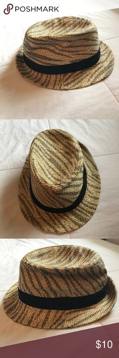 FEDORA Great used condition! Only wore a few times | Straw fedora with gray design and black fabric trim | Purchased from Target Accessories Hats