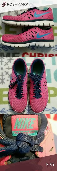 Womens Nike Flex 2013 Run Sneakers Training/running womens athletic Sneakers. In good condition. Nike Shoes Athletic Shoes