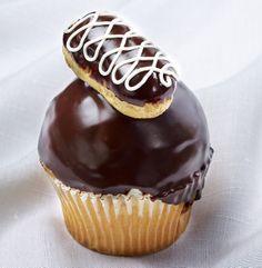 Jilly's Cupcake Bar and Cafe  June 2014 #chocolateeclair
