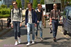 models of duty after show Louis Vuitton. Shooting photo Bain de Lumière#offduty #streetstyle #PFW#fashionweek