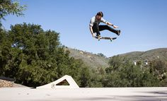 Chris Cole One Foot Tailgrab off his new signature Launch Ramp. www.buildathomeskateparks.com