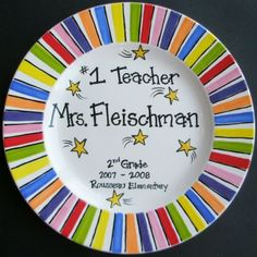 Hand Painted Plate for a teacher. We love this idea! Hand Painted Pottery, Hand Painted Plates, Pottery Painting, Hand Painted Ceramics, Ceramic Painting, Sharpie Plates, Sharpie Crafts, Sharpie Pens, Sharpies