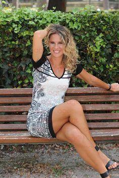 Ingrid Muccitelli Parallel legs