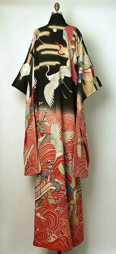 Kimono, Furisode back shot Japan - 着物, 振袖, 日本 Japanese Outfits, Japanese Fashion, Asian Fashion, Japanese Clothing, Furisode Kimono, Yukata, Silk Kimono, Kimono Tradicional, Vintage Outfits