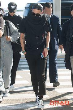 G-Dragon at Incheon Airport 2012 10 11