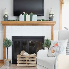 Raise your hand if your TV is above your mantel 🙋‍♀️ I have serious mantle envy, especially at this time of year when I see people changing out their seasonal decor. I have shied away from decorating our mantel, because of that ugly TV. But today, that's changing!  I whipped up two new fall pumpkin crafts over #ontheblog, and now our living room is #readyforfall :) Decor, Fall Living Room, Mantel Decorations, Fall Home Decor, Diy Decor, Home Decor, Autumn Home, Wood Pumpkins, Fall Pumpkin Crafts