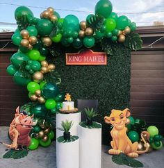 Lion king 🦁 inspired theme we did this past weekend 🥰🙏🏻🙌🏻✨✨ what do you guys think 😍🙌🏻🙌🏻 Lion King Birthday, Jungle Theme Birthday, Baby Boy 1st Birthday Party, Jungle Theme Cakes, Lion Party, Lion King Party, Lion King Theme, Lion King Baby Shower, Le Roi Lion
