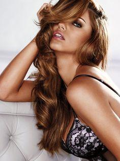 hmm new shade may dye my hair like this when i gets monies Honey curls, Adriana Lima #hair