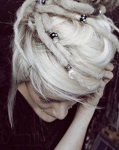 Again, not a dreads person (i'd look like a sad white girl) but I love the beads. How could I do this without snarling my hair up?