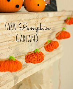 Make this Halloween pumpkin garland from yarn for an easy decoration.