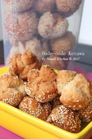 Onde-onde ini konon k. Cookie Recipes, Snack Recipes, Dessert Recipes, Snacks, Indonesian Cuisine, Traditional Cakes, Ramadan Recipes, Asian Desserts, No Cook Meals