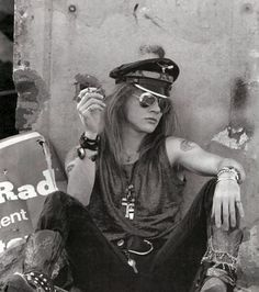 BOYS, GRUNGE, ROSES AND DOORS #axl rose