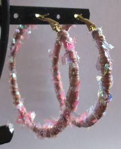 boucles d oreilles anneaux créoles fimo paillettes roses multicolores torsadées