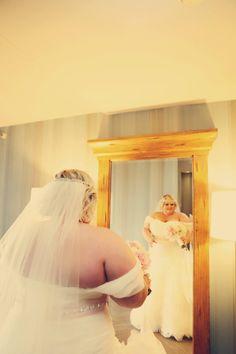 Curvy bride Plus Size Brides, Plus Size Girls, Plus Size Wedding, Big And Beautiful, Beautiful Bride, Wedding Dress Cake, Wedding Dresses, Fat Bride, Engagement Celebration