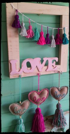 Adornos juveniles Diy And Crafts, Crafts For Kids, Arts And Crafts, Wood Creations, Felt Hearts, Fun Projects, Decoupage, Valentines, Crafty