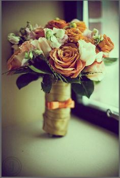 Bouquet of browns, oranges and creams