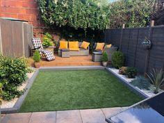 Backyard Ideas Discover St Lucia Artificial Grass Whos enjoying this beautiful garden weather? Ditch your lawnmower for good with Artificial Grass! No chores No mud No mess Just the perfect area to kick-back and relax Featured Range: St Lucia Small Backyard, Small Garden Design, Small Gardens, Backyard Decor, Modern Garden Design, Back Garden Design