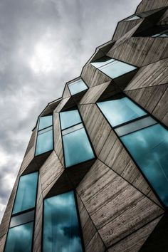 Exterior Facade Architecture Modern New Ideas Baroque Architecture, Art Et Architecture, Futuristic Architecture, Contemporary Architecture, Amazing Architecture, Layered Architecture, Contemporary Design, Facade Design, Exterior Design