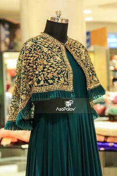 // Attention to detail //  #BridalGowns #AttentionToDetail #Asopalav #Ahmedabad #Bridal #BridesToBe #DesignerCollection #Granduer #Royal #elegance #ElegantBridalWear #Indianweddings #Indianfashion #BigFatIndianWeddings #Bridalwear #BridalElegance #NewGenerationBrides #IndianEthnicWear #bridalboutique #bridalinspiration #NRIBrides #traditionalwear