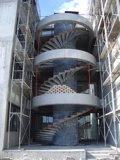 INSTITUT DE FORMATION AUX SOINS INFIRMIERS  Architecture : H. BEAUDOUIN et B. ENGEL
