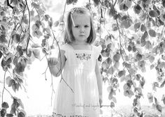Peeking through hanging leaves. © Mischief and Laughs Photography Butterfly Exhibit, Photographing Kids, Cincinnati, Leaves, Children, Baby, Photography, Toddlers, Fotografie