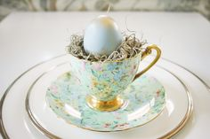 Super cute #Easter place settings