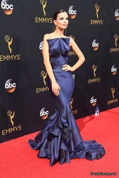 10 лучших образов Emmy Awards 2016