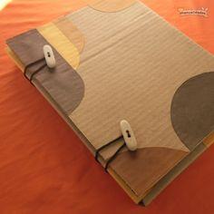DIY Cómo hacer una carpeta de cartón                                                                                                                                                     Más