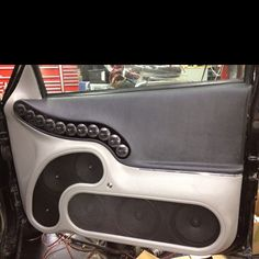 Jimmydoo custom door panels with Focal component speakers Custom Car Interior, Car Interior Design, Truck Interior, Custom Car Audio, Custom Cars, Extreme Car Audio, Car Audio Installation, Subwoofer Box Design, Vw Lt