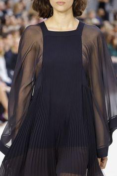 Chloe SS 2017 Fashion show details & more ...