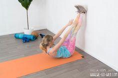 Bauch Beine Po Übungen fü rzuhause - Sit ups mit Wand