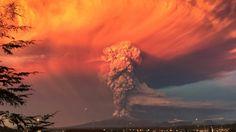 70.000 Evacuados Por La Erupción De Un Volcán En Chile