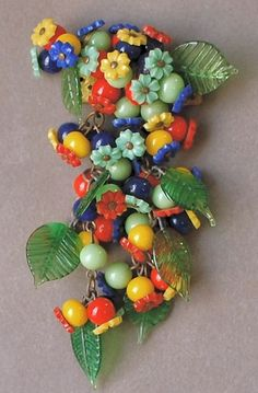 Colorful Vintage 1940s Miriam Haskell Glass Bead Flower Pin