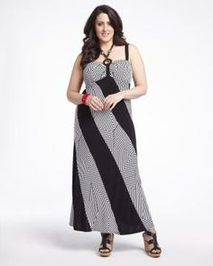 maxi dress with necklace Addition Elle, Plus Size Dresses, Dresses For Work, We Wear, How To Wear, Elle Fashion, Full Figure Fashion, Full Figured, My Style