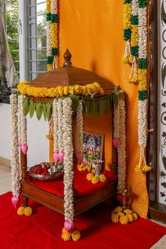 Ganpati Decoration At Home, Diwali Decorations At Home, Backdrop Decorations, Flower Decorations, Ganesh Chaturthi Decoration, Indian Room Decor, Diwali Pooja, Janmashtami Decoration, Housewarming Decorations