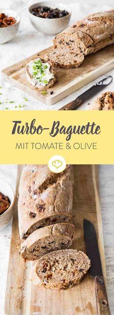 In ca. 1 Stunde hast du ein leckeres Baguette mit Oliven und getrockneter Tomate, dass es mit den öden Stangen von deinem Bäcker locker aufnehmen kann.
